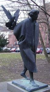 260px-Franziskus-Statue_Mannheim